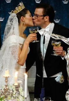 Okay this is probably how I imagined their wedding toast to be like in a deleted part of Chapter 6 of Her Choice