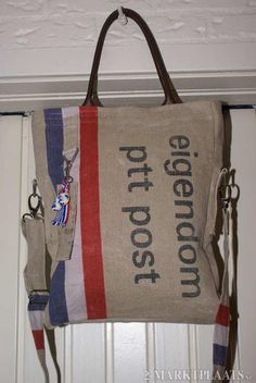 Superstoere tas van originele PTT postzak stof