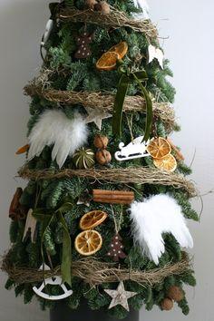 Brad natural construit – sau înălțime – Flowers of Soul Christmas Wreaths, Christmas Tree, Holiday Decor, Nature, Flowers, Home Decor, Corona, Teal Christmas Tree, Naturaleza