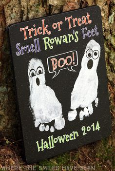 Halloween Footprint Craft: A Ghostly Keepsake for Kids!, DIY and Crafts, This is so adorable! What a great keepsake idea for a baby& first Halloween! Halloween Footprint Craft: A Ghostly Keepsake! Baby First Halloween, Halloween Crafts For Kids, Halloween Activities, Halloween Art, Holiday Crafts, Holiday Fun, Pinterest Halloween Crafts, Halloween Costumes, Valentine Crafts