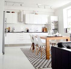 Cucina bianca dal design scandinavo n. 09