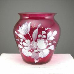"""Cranberry Optic Glass Vase White Flowers Hand Painted Circa 1960-70s 4-1/4"""" Tall Beautiful Home Decor Piece"""