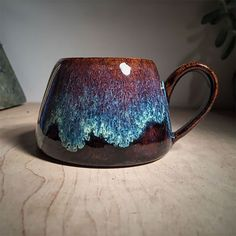 Galaxy Inspired Ceramics That Allow You To Drink From The Stars – Design You Trust Glazes For Pottery, Pottery Mugs, Ceramic Pottery, Pottery Art, Slab Pottery, Thrown Pottery, Stoneware Clay, Ceramic Mugs, Ceramic Art