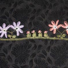 İğne Oyası Modelleri 158 Needle Lace, Needle And Thread, Crochet Unique, Types Of Lace, Lace Border, Lace Making, Bead Crochet, Crochet Flowers, Tatting