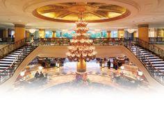 Main Lobby in the Shangrila Hotel in Makati, Manila.
