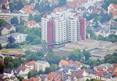 Stadt sucht Quartiere +++ Klinikum will Flüchtlingen Platz bieten