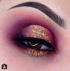 Flawless blending. Purple/pink cut crease with gold center Barbarabeaute barbarabeauté