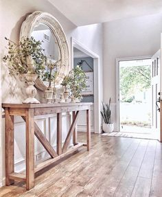 Bauernhaus Best Picture For country farmhouse decor mantel For Your Taste You are looking for something, and it is going to tell you exactly what you are looking for, and Classic Home Decor, White Home Decor, Bedroom Classic, Classic House, Interiores Shabby Chic, Flur Design, Hall Design, Casa Patio, Country Farmhouse Decor