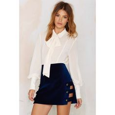 Nasty Gal Day Tripper Velvet Mini Skirt (195.975 COP) ❤ liked on Polyvore featuring skirts, mini skirts, blue, short skirts, short blue skirt, pink skirt, velvet skirt and velvet mini skirt