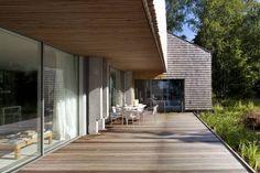 Esplatz Veranda : Skandinavischer Balkon, Veranda & Terrasse von architekt stephan maria lang