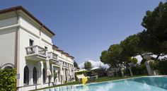 Hotel Ristorante Sogno San Felice del Benaco Experience charming garden or lake-view rooms and the tranquil position of this 4-star hotel set directly on the shore of Lake Garda.  Relax in the lush gardens or in the inviting swimming pool at Hotel Ristorante Sogno.
