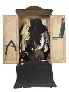 Antoni Tàpies. From object to sculpture (1964-2009)