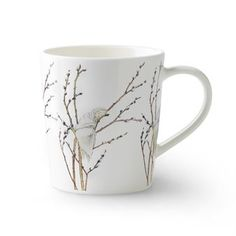 Enjoy a good cup of coffee in the cute Little willow mug from Design House Stockholm. The mug is a part of the Elsa Beskow Collection where Catharina Kippel has interpreted Elsa Beskows lovely illustrations. The little willow was originally an illustration to Alice Tegnérs famous children song