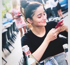 Lovebirds Alia Bhatt and Ranbir Kapoor step out for a movie date… Pics Bollywood Girls, Bollywood Stars, Bollywood Celebrities, Celebrities Fashion, Bollywood Fashion, Beautiful Bollywood Actress, Beautiful Actresses, Shraddha Kapoor, Deepika Padukone