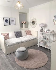 22 New Soft Aesthetic Room Decor - Room Dekor 2020 Cute Bedroom Ideas, Cute Room Decor, Girl Bedroom Designs, Room Ideas Bedroom, Small Room Bedroom, Ikea Bedroom, Bedroom Inspiration, Bedroom Furniture, Girls Daybed Room