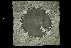 Handkerchief, early 18th century, Flemish, Linen, bobbin lace. (c) Metropolitan Museum of Art