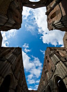 <p><strong>The Abbey of San Galgano, Chiusdino – Tuscany - Other 10 weird places to visit in Italy</strong></p>