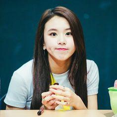 Twice - ChaeYoung 😯 Nayeon, South Korean Girls, Korean Girl Groups, Rapper, Cool Girl, Cute Girls, Twice Fanart, Twice Once, Chaeyoung Twice