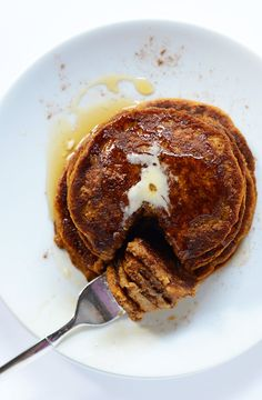Fluffy Vegan Pumpkin Pancakes - Tall, fluffy, and tender. These vegan pancakes are loaded with pumpkin, spice, and everything nice. Arguably even better than traditional pumpkin pancakes - try them and see! Pumpkin Recipes, Fall Recipes, Whole Food Recipes, Spiced Pumpkin, Vegan Foods, Vegan Desserts, Baker Recipes, Cooking Recipes, Vegan Breakfast Recipes