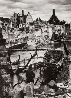 Historical Reference for post WW2 destruciton Vorkosigan Vashnoi was partially destroyed by the Cetagandans before they dropped their final and most deadly atomic bomb. This wiped out the entire population of Vorkosigan's district capital. (The city of Nuremberg in ruins, 1945.)