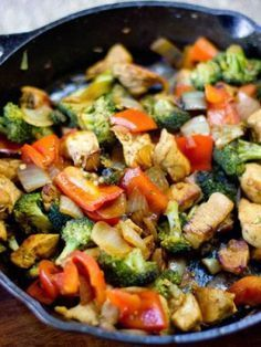 pot paleo chicken curry stir fry--Good list of ingredients to turn stir fry from teryaki (sp?) to curryone pot paleo chicken curry stir fry--Good list of ingredients to turn stir fry from teryaki (sp?) to curry Healthy Recipes, Healthy Dishes, Real Food Recipes, Diet Recipes, Chicken Recipes, Cooking Recipes, Easy Recipes, Paleo Food, Recipe Chicken