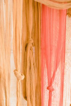 Sound the alarm 'cause we're crazy in love with this caramel hued cheesecloth backdrop using rich dye from Rit Dye and punchy silk flowers. Rit Dye, Cheese Cloth, Diy Curtains, Easy Projects, Diy Flowers, Warm And Cozy, Event Decor, Backdrops, Tulle Backdrop