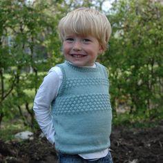 Drengevest med sømandsmønster Knitting For Kids, Baby Knitting Patterns, Baby Patterns, Newborn Outfits, Newborn Clothing, Knit Crochet, Crochet Hats, Baby Vest, Kids Wear