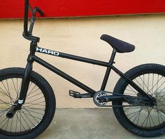 As a beginner mountain cyclist, it is quite natural for you to get a bit overloaded with all the mtb devices that you see in a bike shop or shop. There are numerous types of mountain bike accessori… Haro Bikes, Haro Bmx, Bmx Bikes, Cycling Bikes, Mountain Bike Accessories, Cool Bike Accessories, Bmx 20, Bmx Cycles, Gt Bmx