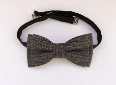 Men's wool bow tie  vintage tweed bow tie in by KristineBridal #wool #tweed #bow #tie