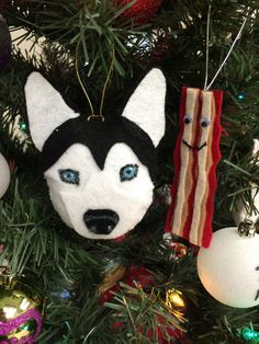 Husky handmade felt ornament, Siberian husky, UCONN, Christmas ornament, dogsled dog ornament, handmade gift, groomer gift, dog walker gift