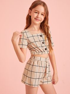 Girls Button Detail Grid Top And Buckle Belted Shorts Set – Kidenhouse Teenage Girl Outfits, Girls Fashion Clothes, Dresses Kids Girl, Little Girl Outfits, Kids Outfits Girls, Cute Girl Outfits, Tween Fashion, Teen Fashion Outfits, Cute Casual Outfits