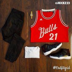 Today's top #outfitgrid is by @jkickz23. ▫️#Bulls #ChristmasDayJersey ▫️#Gap #Tee ▫️#HM #Pants ▫️#JordanXI #7210 #flatlay #flatlayapp #flatlays