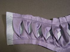 How to make: shaped twisted bias insertion sleeves # Regency