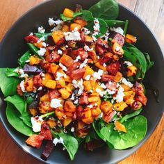 Make this pumpkin, feta and chorizo salad for your lunches for the week When 28 Day Weight Loss Challenge member Brooke Jones shared a pic of her delicious looking salad she had A LOT of people asking for the recipe. Healthy Salads, Healthy Eating, Kale Salads, Healthy Fats, Healthy Mummy Recipes, Chorizo Recipes Healthy, Chorizo Salad, Pumpkin Salad, Pumpkin And Beetroot Salad