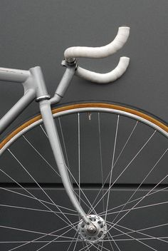 Early experiments in steel performed by custom frame builders like Leo Estermann opened the way for new technological advances in bicycle design.