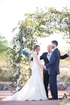 glamorous wedding in Phoenix, Arizona with photos by Melissa Jill Photography | junebugweddings.com