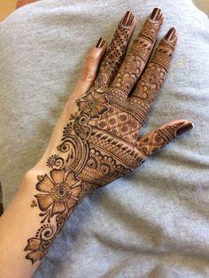 Striking Khafif mehndi designs collection for hands to try in 2019 Full Mehndi Designs, Khafif Mehndi Design, Henna Art Designs, Mehndi Designs For Girls, Mehndi Designs For Beginners, Dulhan Mehndi Designs, Mehndi Designs For Fingers, Wedding Mehndi Designs, Mehndi Design Pictures