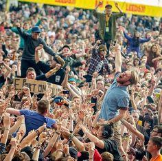 Enter Shikari - best live band I have EVER seen omg Festival Image, Live Band, Pop Punk, Music Bands, Punk Rock, Dusk, Good Music, Just Love, Ph