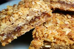 Banana Nut Bread has always been a favorite and with this slow cooker recipe you can cook it without fuss. It is just as tasty as the original and maybe a touch… Banana Nut Bread, Oatmeal Bars, Incredible Edibles, Crock Pot Cooking, Coffee Cake, Slow Cooker Recipes, Bread Recipes, Sweet Treats, Tasty