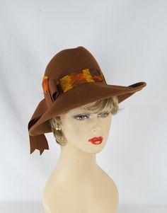 Vintage Hat Medium Brown Wide Brim Fedora with Feather Hatband by Kurt Jr Sz 22 by alleycatsvintage on Etsy