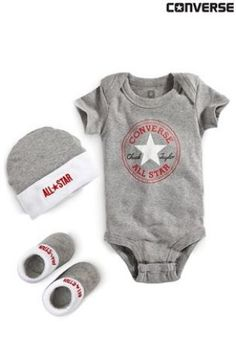 Thanks Aunty Sara for making me look cool from day 1 with this Converse grey baby set xx