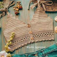 Pattern PDF crop top of summer to crochet in English and Spanish. Motif Bikini Crochet, Crochet Bra, Crochet Shirt, Crochet Crop Top, Crochet Woman, Crochet Crafts, Crochet Clothes, Crochet Projects, Tops Tejidos A Crochet