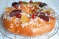 Brioche des Rois with candied fruit {as in the South} - Vikki Dahill Chocolate Fruit Cake, Fruit Birthday Cake, Desserts With Biscuits, Candied Fruit, Flaky Pastry, Dessert Bread, Easy Cake Recipes, Savoury Cake, Clean Eating Snacks
