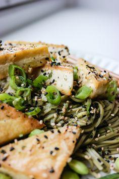 Sobanudler og tofu med ingefær- og misosaus