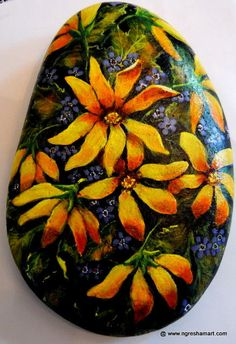 handpainted rock,art,FLORAL,daisies,,patio decor,VALENTINES DAY GIFT,GARDEN ROCK #Realism