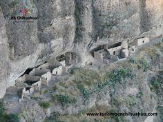 En el Estado de Chihuahua le ofrecemos a nuestros visitantes una gran variedad de atractivos como los son artesanías, zonas arqueológicas en las montañas, joyas arquitectónicas coloniales, barrancas con vistas espectaculares, cascadas, desiertos, gastronomía típica, grutas, minas, museos y zonas montañosas con paisajes impresionantes. Ya sea de negocios o de placer, quien conoce Chihuahua vuelve a regresar. www.turismoenchihuahua.com