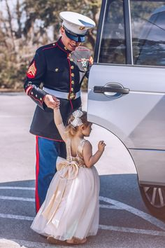 39 Ideas Daddy Daughter Dancing Photos For 2019 Daddy Daughter Photos, Daddy Daughter Dance, Dance Photos, Dance Pictures, Dance Hairstyles, Daddys Little Girls, Family Goals, Dance Outfits, Usmc
