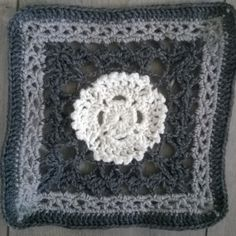 Nuotiovalkea - Fire and Light Suunnittelija Heli Isoniemi Fire, Blanket, Crochet, Pattern, Ganchillo, Blankets, Cover, Crocheting, Comforters