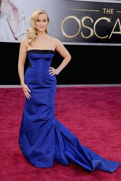 Reese Witherspoon stuns in cobalt Louis Vuitton. Repin if you agree.