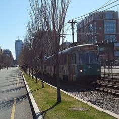 Morning commute 'Outbound' Green Line 'B' train heads west along Commonwealth Avenue along the Boston University Charles River Campus while the stretch of the westbound side of Comm Ave appears nearly empty. Photo courtesy of Daryl DeLuca  @bostonu @bostonattitude @ApplyToBU @backtoBeantown @BUEngugrad @espooriginals @boston @buartsinitiative @buglobalprograms @prince_ngu by daryl.deluca